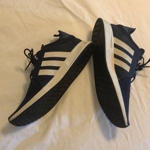 Men's Adidas navy tennis shoes